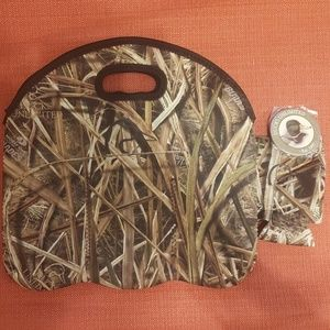 Official Ducks Unlimited 6 bottle/can Carrier